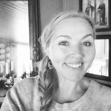 Halden Myhome Me Selfie Mirror Light Blackandwhite Svarthvitt Gammelthus Hair Happy Feelingbetter Smiling Norway Vintage Oldhouse Goodsunday Goodcompany Bnw