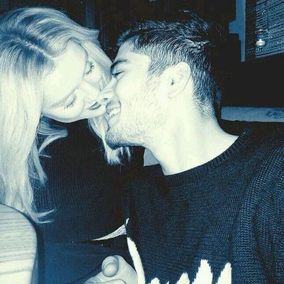 This is like..wow! The best Zerrie pic! <3 Zayn Perrie Zerrie 1D L4L 1D BoyDirectioners GirlDirectioners Directioners cute aw