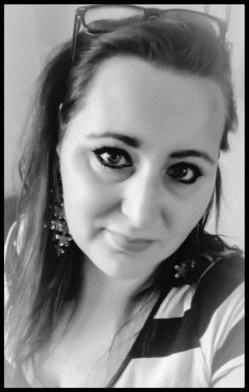Hi! That's Me Enjoying Life Selfportrait Selfie Blackandwhite