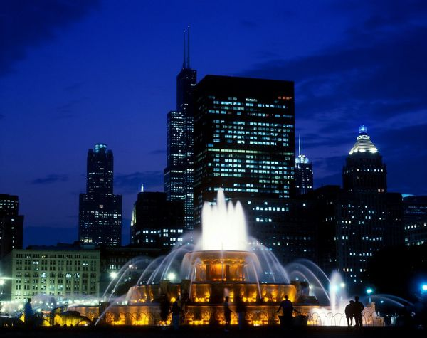 Buckingham Fountain, Chicago, Illinois, America Chicago Chicago Skyline EyeEm Best Shots Eye4photography  Sunset Fountain Fountains Travel Destinations Travel Photography Destination Chicago Architecture Skyline Dusk In The City Cityscapes City Life Cityscape Silhouette Citylights Buckinghamfountain Buckingham Fountain EyeEm Gallery EyeEm Best Shots - Landscape Color Buildings Taking Pictures