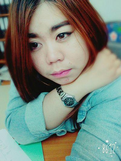 อิจฉาคนคนนั้นของเธอที่เขาได้ทุกอย่างจากเธอที่ฉันไม่เคยได้ So Sad... :((( Unhappy