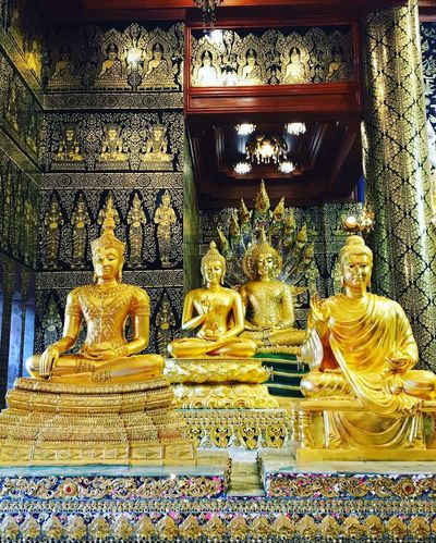Religion Spirituality Statue Sculpture Golden Color Place Of Worship Gold Colored Gold Idol Indoors  Architecture No People Day