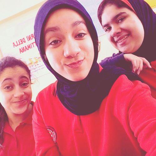 Selfie Friends Dareen Shimaa School K.g.c Uniform High School