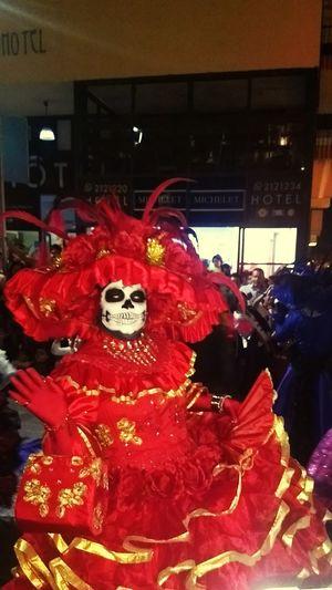 Dia De Los Muertos Tradition DIA DE MUERTOS Desfile Dia De Muertos Catrina Day Of The Dead Skulls And Bones Mask Querétaro Muertosvivientes Human Representation Celebration Multi Colored Dulces Muertos Skulls💀 Mask Carnival