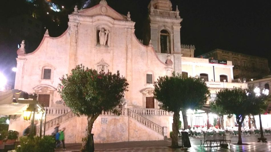 Architecture Night Tree Outdoors Travel Destinations Building Exterior Sky Built Structure Illuminated No People City By Night Sicilian Streets Sicily,italy Church Architecture Churchyard Architecture