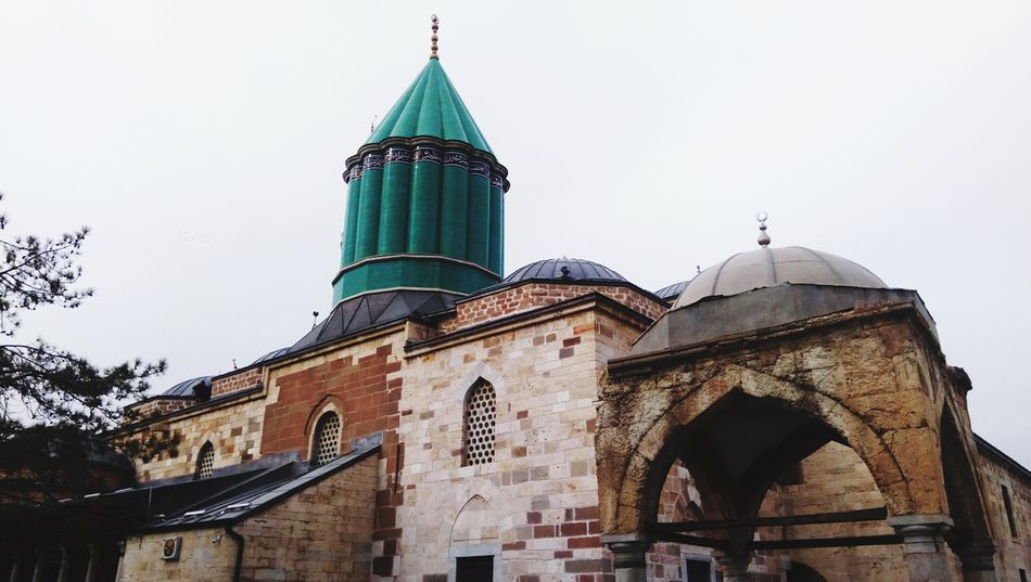 Mevlana Celaleddin Rumi türbesi (Konya) People Mosque Life Huzur Tarih  Kadrajasığdırabildiğimhuzur Kadraj Architecture Dome Travel Destinations Religion Built Structure Day Outdoors City