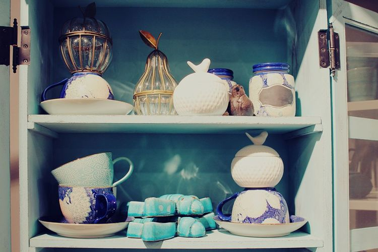 Vintage Cupboard Cupboards Vintage Style Vintage Moments Vintage Stuff Decorations Cups Kitchen Life Kitchen Utensils Romantic Precious Memories Precious Kitchen Things Vintage Photography In My Kitchen Love For The Little Things Details For The Love Of Details Pastel Power
