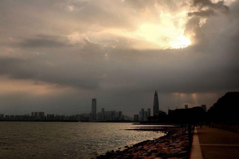 Sunset Sea Pho Sky Sky And Clouds Photography Building Feeling Good Alone Time Orange Sky Orange Color Shenzhen  Rock