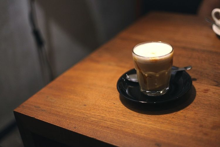 Coffee - Drink Coffee Cup Table Drink Saucer Food And Drink Indoors  Espresso Wood - Material Cappuccino Refreshment Close-up Frothy Drink Latte No People Food Mocha Freshness Day Cozy