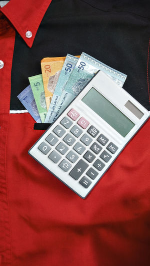 Money Cashmoney  Ringgit Pocket  Red Color Colorful Close-up Suits  Consept Earnings Finances Trends Excanging Rings Work Financial