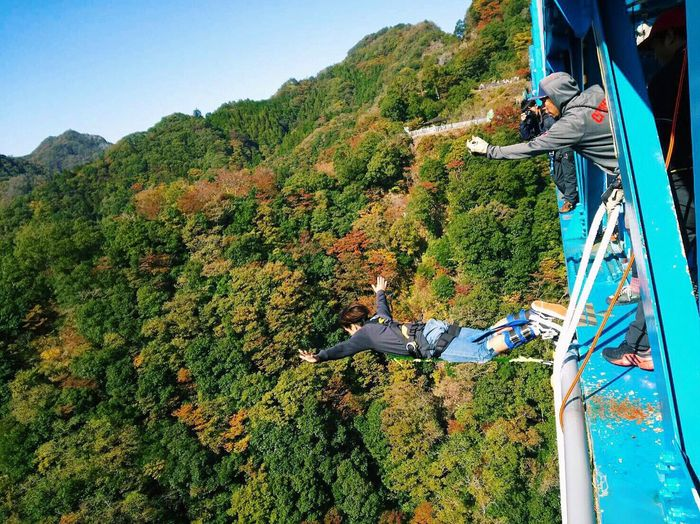 This is f***in' crazy Crazy Bungee Omg Awesome Nice View Cool Jump Man Bridge Japan Challenge Fun Love TBT  EyeEm EyeEm Best Shots EyeEm Nature Lover Nature Like Enjoying Life Hanging Out Followme Beautiful Mountain