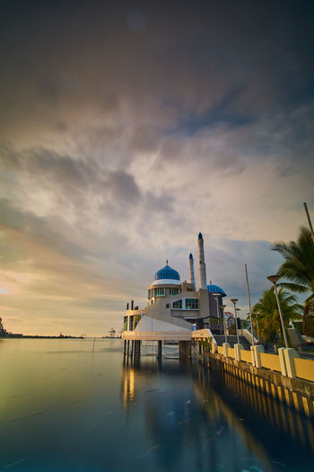 Floating mosque makassar Faith Makassar Sulawesi Selatan Architecture Building Building Exterior Built Structure Cloud - Sky Dome Floating Mosque Islam Luxury Mosque Nature No People Outdoors Place Of Worship Reflection Sky Sunset Tourism Transportation Travel Destinations Water Waterfront