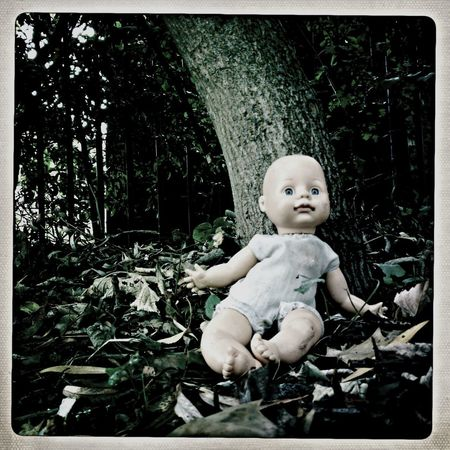 Scary abandoned dolly in small local park Peckham London!! Abandoned Nopeople Doll Doll Photography Scary Trees Parklife Outdoors Outdoors Photography Colour London Urban Nature Eye4photography  No People Abandoned Leaves