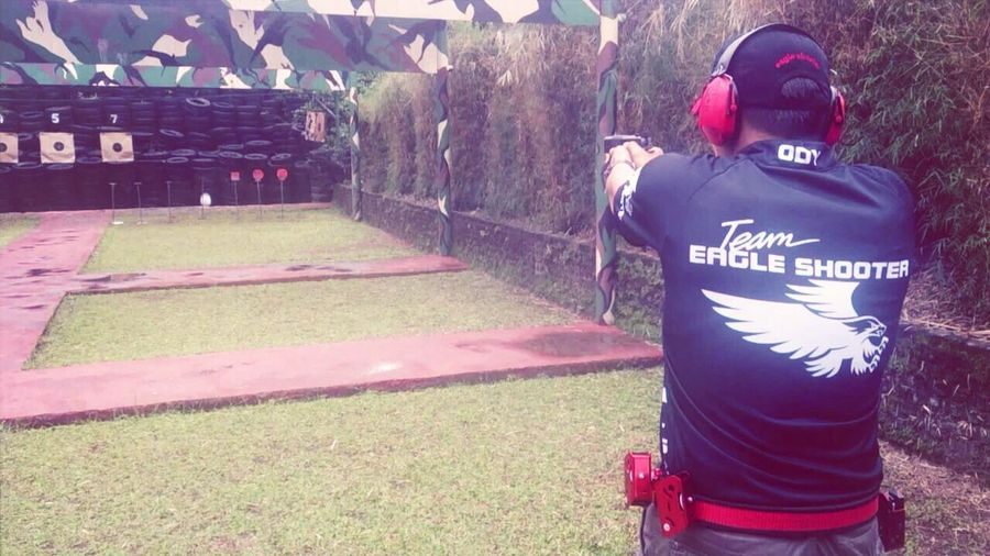 Long time no see .. Lets practice, shooting paper and plate target, with friends from Indonesian Secret Service ... Shooting PINDAD DAA Racemaster Holster Eagle Shooting Club Indonesia