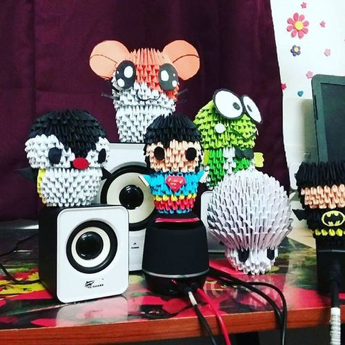 My 3D origami collection, someone is missing.. The pink one! Wait for the AVENGER. Pingu Hamtaro Supermario Froggie Batman Sperman DIY 3Dorigami