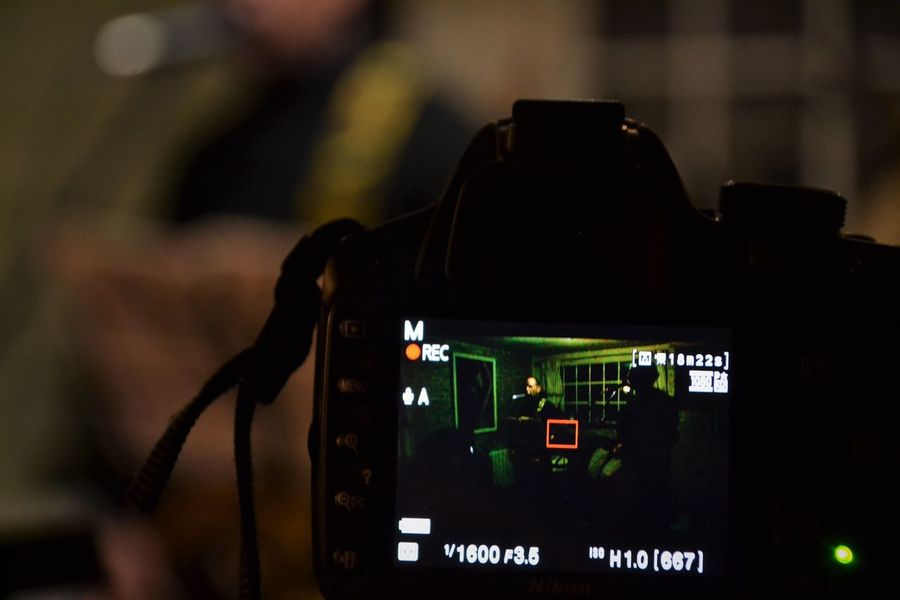 Focus On Foreground Camera - Photographic Equipment Photographing Camera Indoors  Concertphotographer Recording Studio Lagarto Grupo Lagarto Music Photography  Musician Real People Musical Instrument String Lorenagarciaphotography