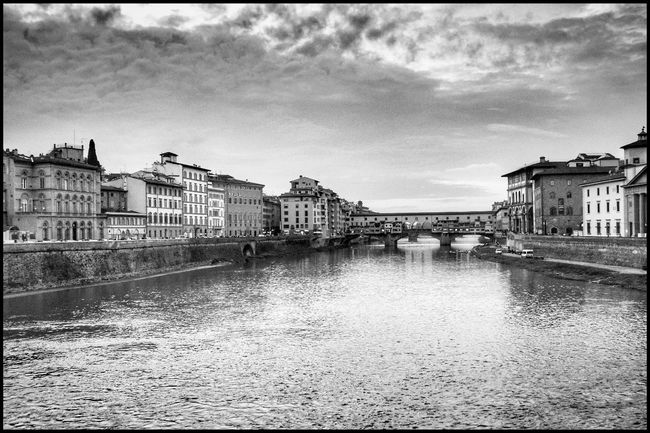 Firenze Blackandwhite Italy Tuscany Instagood Igers_firenze Fotografia Nikon River Architecture Built Structure Building Exterior Water Sky Cloud - Sky Outdoors No People