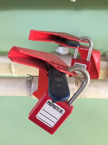 Lock Key Red Key Latch Shackle Gas Pipes Gas Pipeline Red
