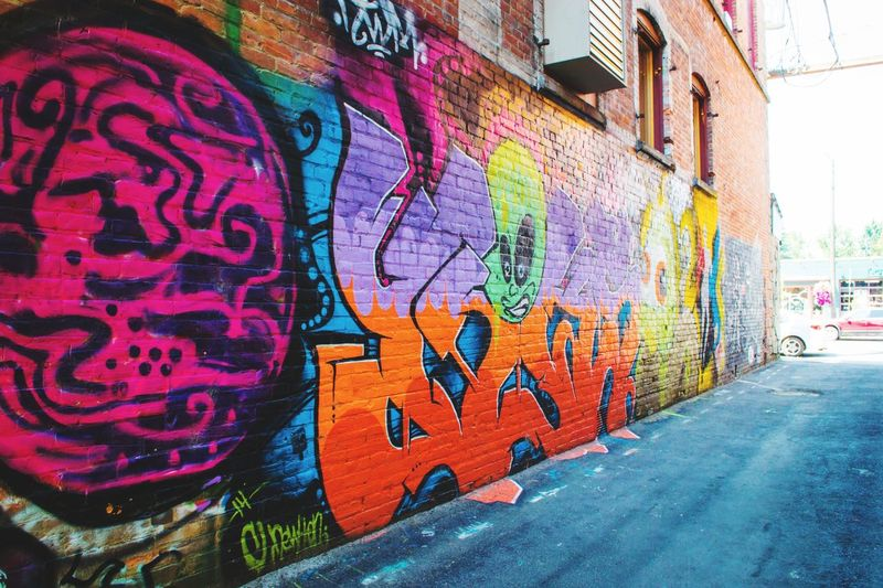 Find me on Instagram @a.jpix Summertime Nikon Nikonphotography Nikon D3100 Nikonphotographer Sunny Day Colors Colorful Neon Neon Color Digital Graffiti Art Graffiti Wall Graffitiporn Streetphotography Sandpoint Idaho Sunny Day Sunny Cityscape Alley Graffiti Multi Colored Street Art Built Structure No People Day Outdoors Architecture City