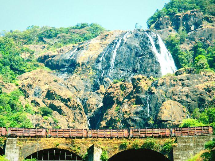 Waterfall Train Nature Manmade Marvel Manmadestructures Chennaiexpress Goa Doodhsagarfalls