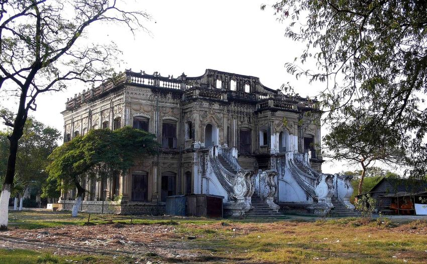 Abandoned Buildings Abandoned Mansion Burma Halloween House Haunted Mansion Myanmar Nanct Drew House Spooky Old House
