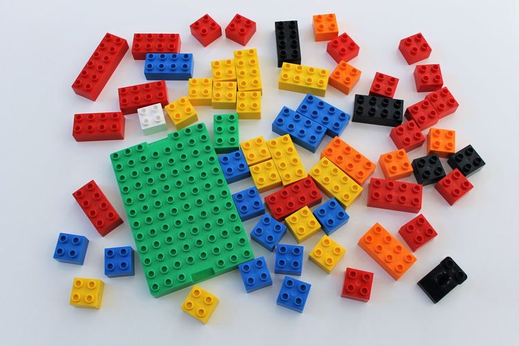 Some Lego Duplo Bricks Bunte Lego Duplo S Coloured Lego Duplo Bricks LEGO Lego Duplo Lego Duplo Bricks Lego Duplo S Legosteine Spielzeug Toys