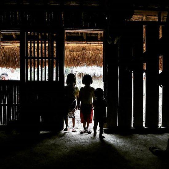 Traditional village dwellers, a Sasak tribe youngsters the heir of their own tradition, could they be? Inside a traditional house of Sasak tribe, Lombok, Indonesia. Location : ende village, Lombok @escapadeqube Dudukmaniz Unbelieveable Feseshouse Findlombok TravelRack Wonderfullombok Explorelombok Indonesiaku Meistershots Theglobewanderer Urbanandstreet Artofvisuals AOV Igshotz_mag Igshotz_folk ExploringGlobe 30xthirty Zerogrid Myfeatureshoot Worlderlust Worldtravelpics Modernoutdoorsman Exploretocreate Earthfocus Campcoop AllDayExploring ikece ngetrip nusantarakita