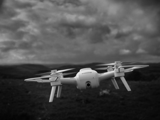 BW_photography Copter Flight Bw_collection Close-up Copterphotography Day Flight Flight ✈ Focus On Foreground No People Outdoors Sky Yuneec Yuneec Breeze