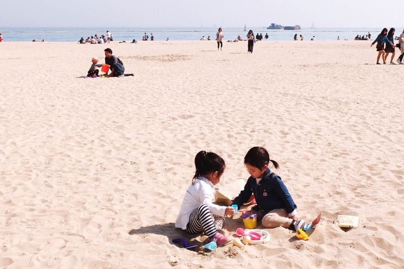 Kids Kids Being Kids Life Is A Beach Daily Life Captured Moment EyeEm Korea Snapshots Of Life
