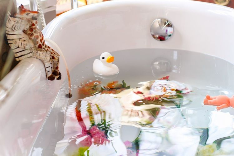 Bath Bath Time Relaxing Enjoying Life Duck Toys Enjoy Life EyeEm Gallery Enjoy Water Reflections