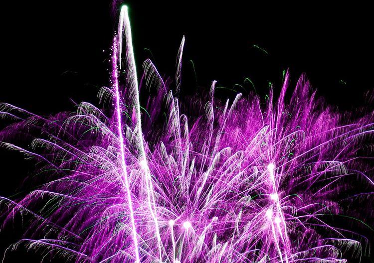 New Year Around The World Happy New Year! Fireworks(: Fireworks❤ Fireworks! New Year's Eve Fireworks Firework Fireworksphotography Happy New Year Fireworks Happy New Year 2016
