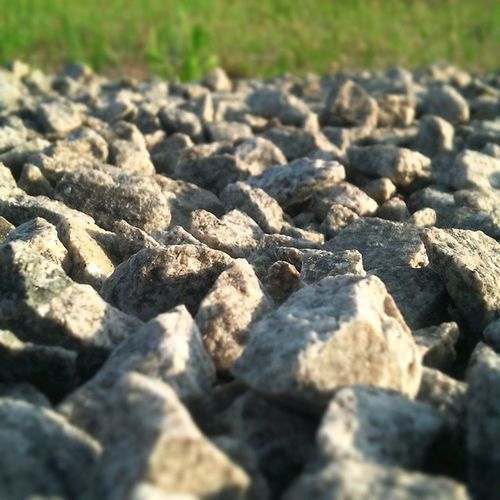 돌 낮은시각 에서 바라보기
