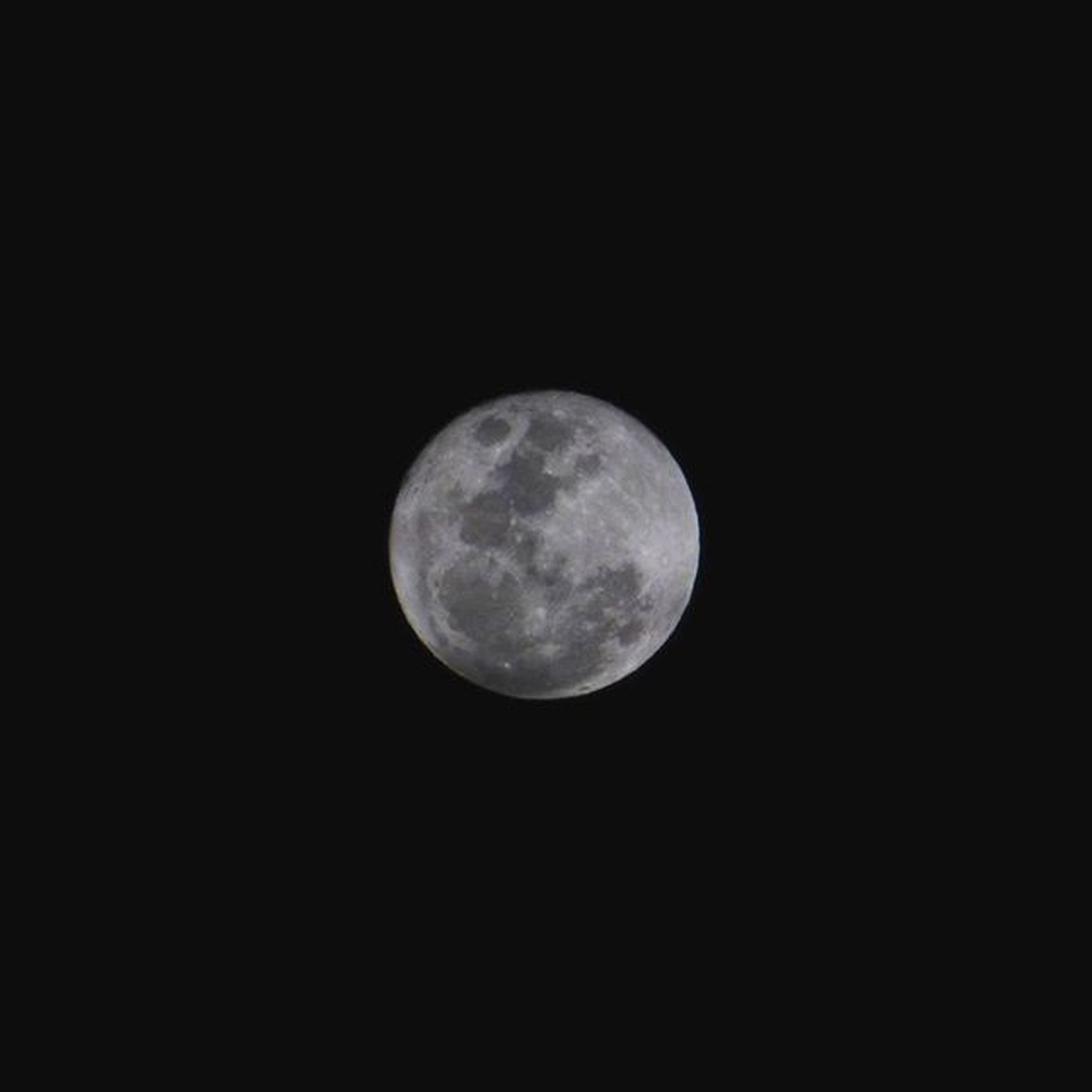 moon, astronomy, night, full moon, planetary moon, moon surface, beauty in nature, discovery, copy space, scenics, tranquil scene, tranquility, low angle view, space exploration, nature, circle, sphere, dark, majestic, clear sky