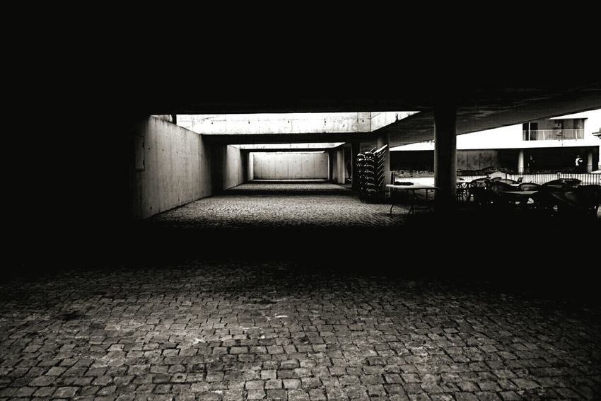 No People Architecture Corridor Urban Scene Urbanphotography Outdoors Escena Tranquila Bnw Bnw_captures Bnw Photography Bnw Photography Urban Exterior View Exterior Building Bnw_planet Arquitectura Arquitetura Arquitechture Arquitetura Moderna Arquiteturaurbana Arquitecture_bw The Architect - 2017 EyeEm Awards EyeEmNewHere