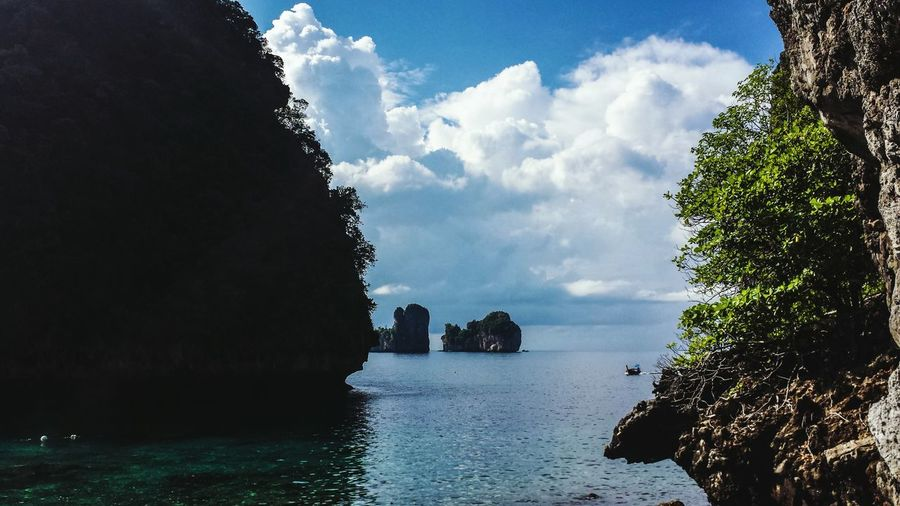 Maya Bay Andaman Sea Thailand Koh Phiphi Seascape Sky Water Ocean Clouds Sunshine Southeast Asia ASIA Southern Thailand Outdoors Krabi Afternoon Phi Phi Ley
