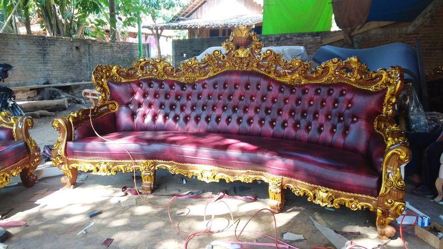 Kursi Royal Jumbo Kayu Jati Ukir Mebel Jepara Chair Mebel Furnitures Furniture Design Photography Jepara Kursi Holi Powder Paint