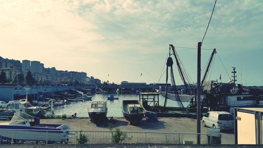 Relaxing Peace Port Ships Fisherman Sky Sea City ⚓🚢🚢☺