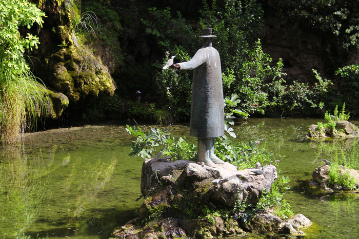 Beauty In Nature Cascade Day Flowing Folon Green Green Color Green Color Growth Nature Non-urban Scene Rock Scenics Sculpture Sculpture Garden Tranquil Scene Tranquility Tree Vegetation Vegetation In City Water Water Reflections Water_collection