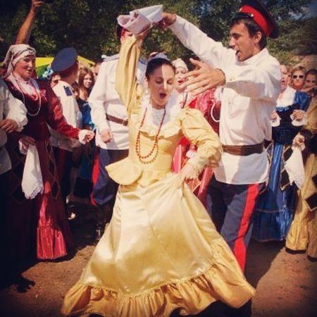 Казачий разгуляй на Хопре 2014 Cossacks FOLkdance Folk танцы казаки Балашов казачество казачийкруг cossack folkdancing dance Cossack dances CossackCulture culture nation nationality донскиеказаки дон свадьба wedding vscocam vscorussia vsco