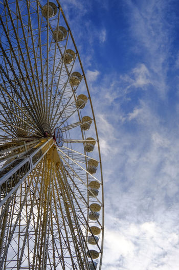 Amusement Park Ride Carousel Ferris Wheel Sky Wideangle