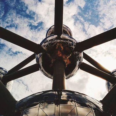 Atomium. Part 1. CaminandoBruselas Latepost