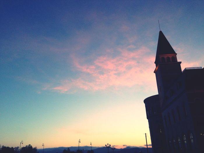 綺麗な夕日。思わず振り返って立ち止まって撮った一枚✨✨今日も良い1日になりますように…??May happiness your today... 学校帰り View Sunset Sky