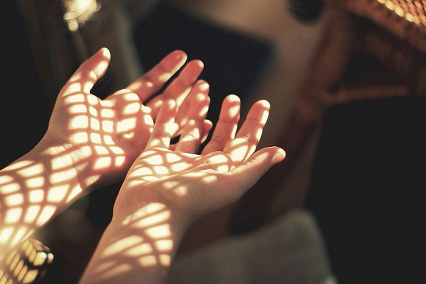 Lights Sunny Vintage Hands Goldenroom