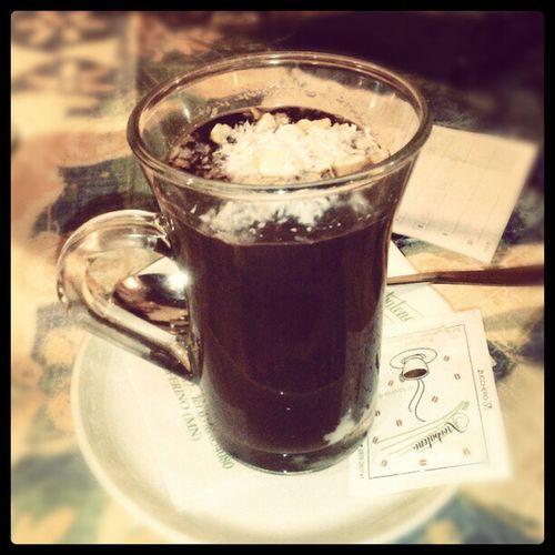 Cioccolata con granella di nocciole, cocco e rum *_*