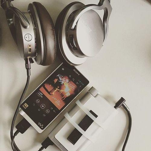 周末音乐季,听着歌写稿子,整个人一起摇摆。Sonyzx1 1adac Sony1a Pha1a Music Happyweekend Weekend