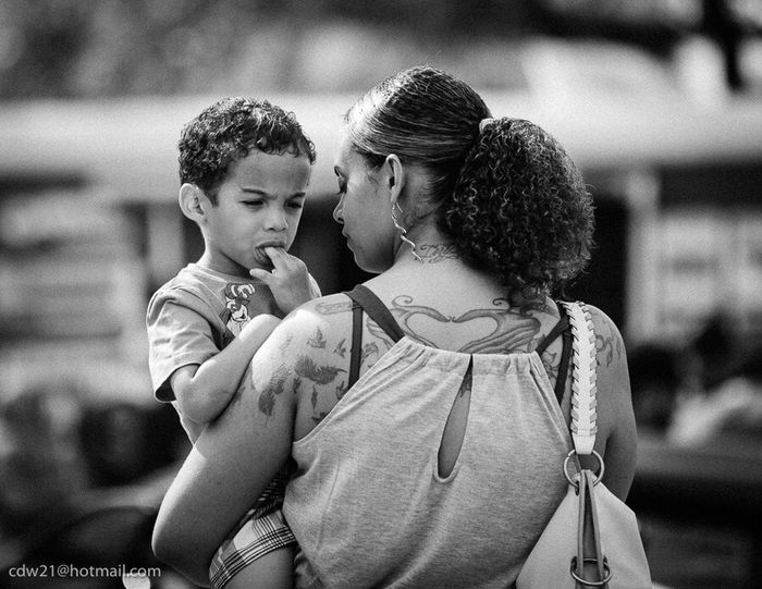 Check This Out Blackandwhite Photography EyeEm Best Shots - Black + White Blackandwhitephoto EyeEm Black&white! Taking Photos People Watching Texaslife People Of EyeEm Peoplephotography TeamCanon Mother And Son