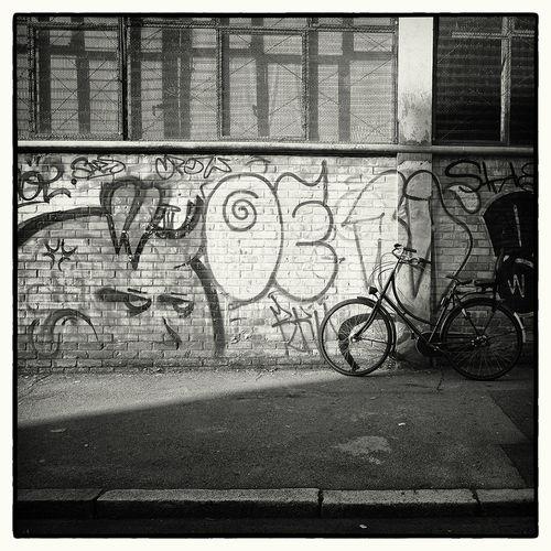 Le Mythe de Sisyphe Graffiti LONDON❤ London Bike Graffiti Art Hoxton Opencity Street Photography Sweet Waffenrad
