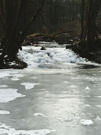 Zugefrorene Sieg bei Netphen Deuz Winter Netphen Sieg Siegerland Eis Eiskalt Wasserfall