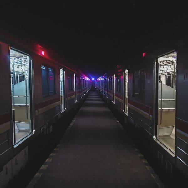 Night No People Symmetry City Outdoors Colors Sides View Street Train Streetphoto Trainstation Railway Station Full Length Streetphotography Railwaystation Train Rail