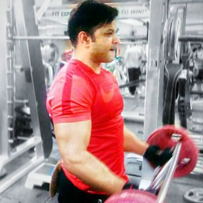 """""""When you brand yourself properly the competition becomes irrelevant."""" Armsworkout Fitness Mera16kadola Needmore Neverevergiveup Nevergiveup Rajeevkumar August28inc A28inc"""